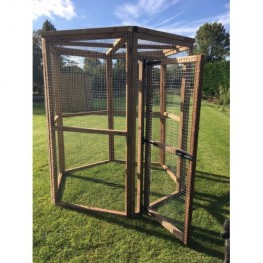 Hexagonal 8ft Bird Aviary