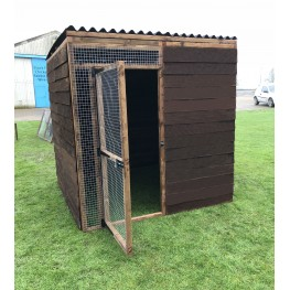 7 fully boarded panels, 1 door and 2 black waterproof roof 6ft x 6ft 16G
