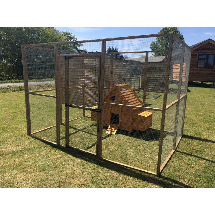 Chicken coop inside a large 6ft x 9ft aviary run for Chicken run for 6 chickens