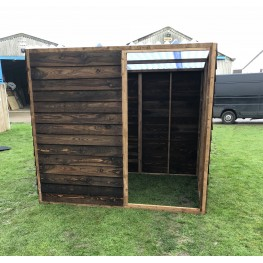 Animal Field Shelter With Front Panel And A Clear Roof