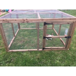 Rabbit / chicken run 3ft tall with door and mesh roof